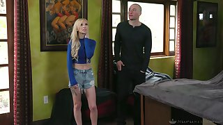 Luscious blonde Kenzie Reeves gives a deceptive massage after taking a shower