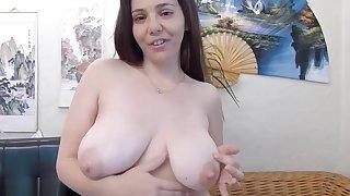 Teen Floosie Sucking Her Milky Tits